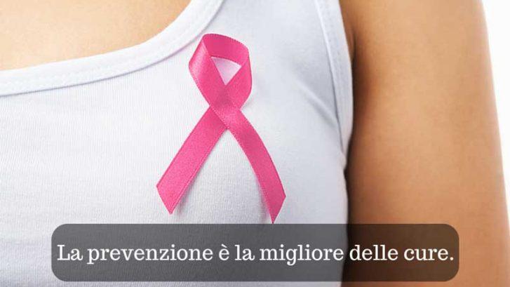 immagine di un fiocco rosa contro il tumore alla mammella