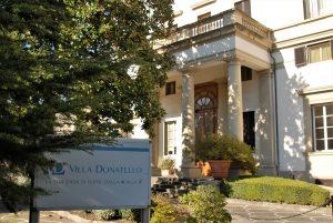 immagine dell'entrata della Casa di Cura Villa Donatello a Firenze