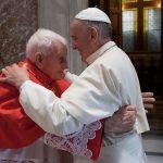 Il Cardinal Ernest Simoni visita la casa di cura Villa Donatello