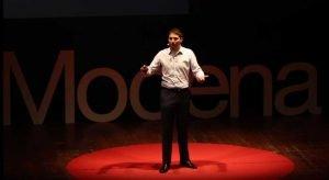 Giuseppe Alonci sul palco del Tedx di Modena dello scorso Maggio 2018