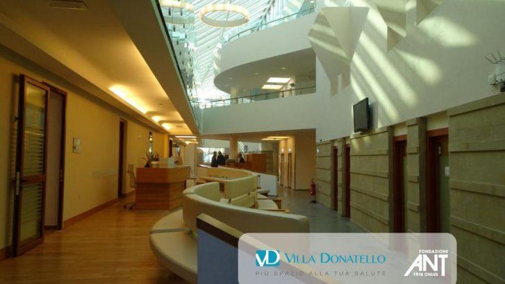 La hall principale di Villa Donatello a Firenze Castello