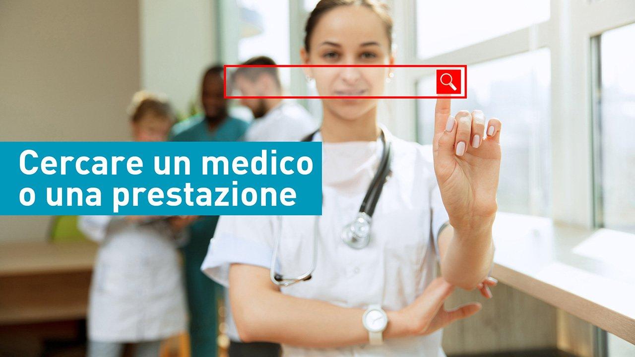 un'infermiera simula una ricerca sul web