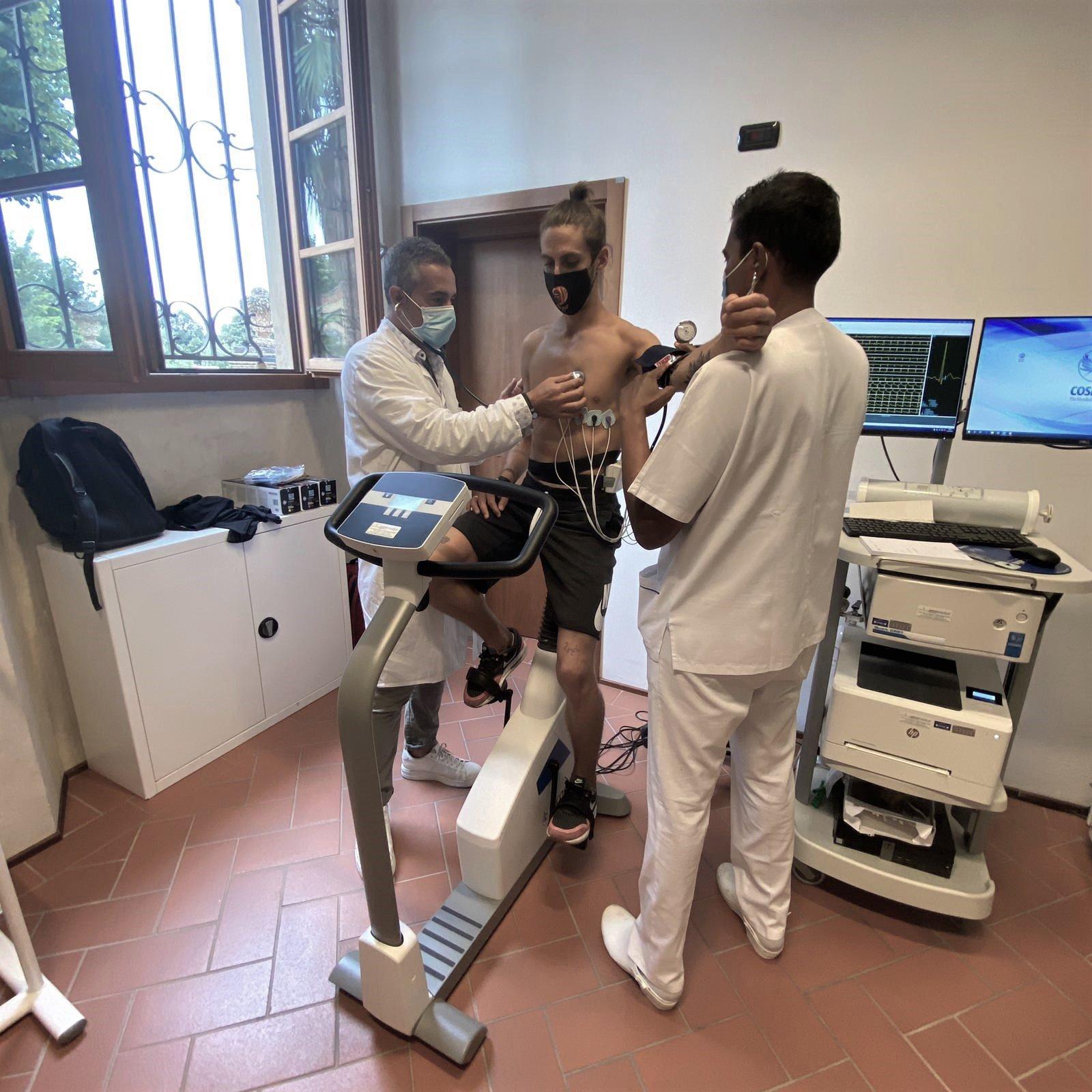 uno degli atleti della FC Duccio Dini durante le visite medico-sportiva