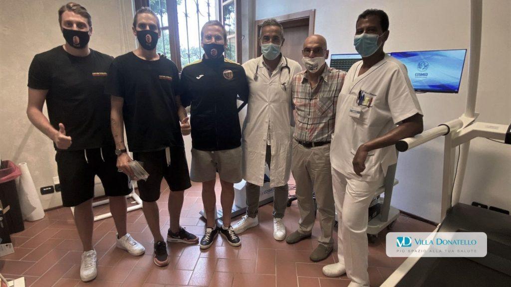 alcuni dei ragazzi della FC Duccio Dini prima delle visite mediche a Villa Donatello