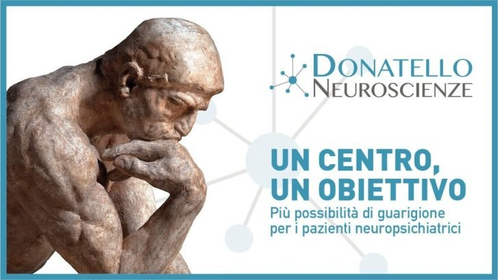 """il pensatore di Rodin vicino al logo del percorso di cura """"Donatello Neuroscienze"""""""